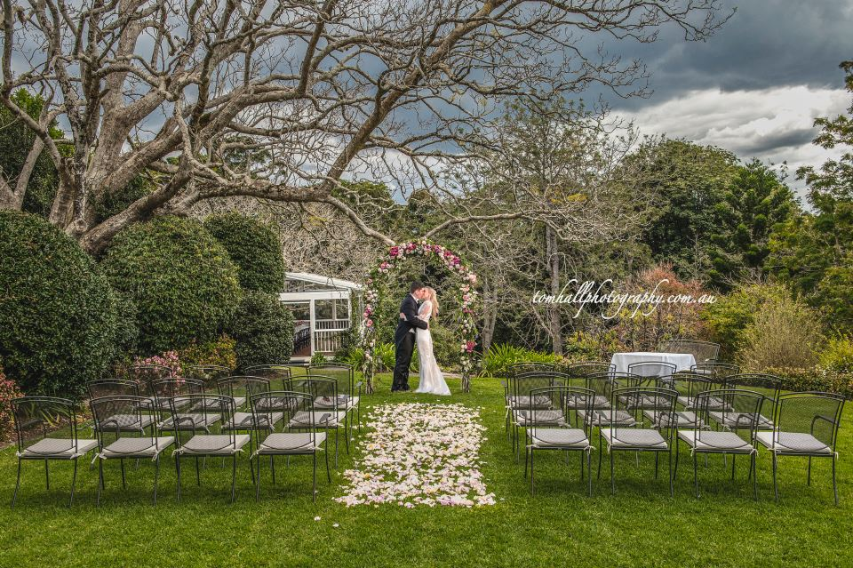 Mondo-Flowers-Wedding-Photography-Maleny