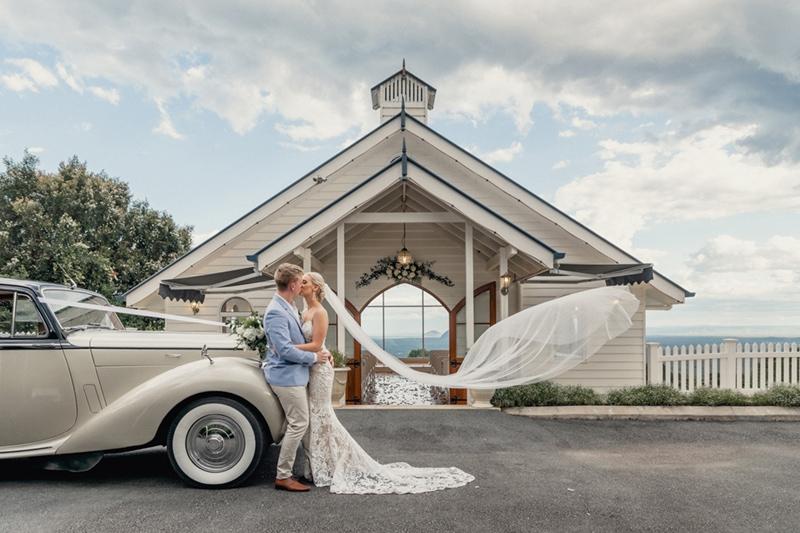 Weddings-at-Tiffanys-Maleny-Photographer-001